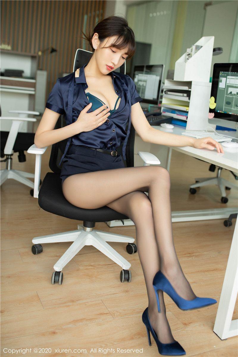清丽可人的陆萱萱高跟丝袜大长腿