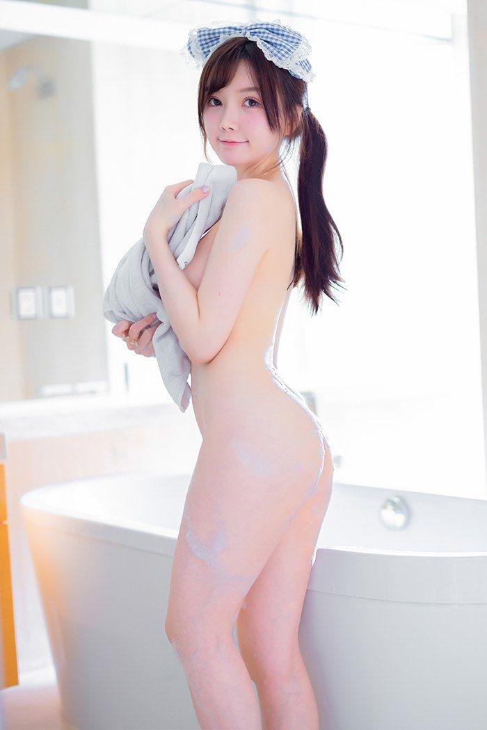 裸身沐浴美娇娘糯美子巨乳丰臀稚嫩可口