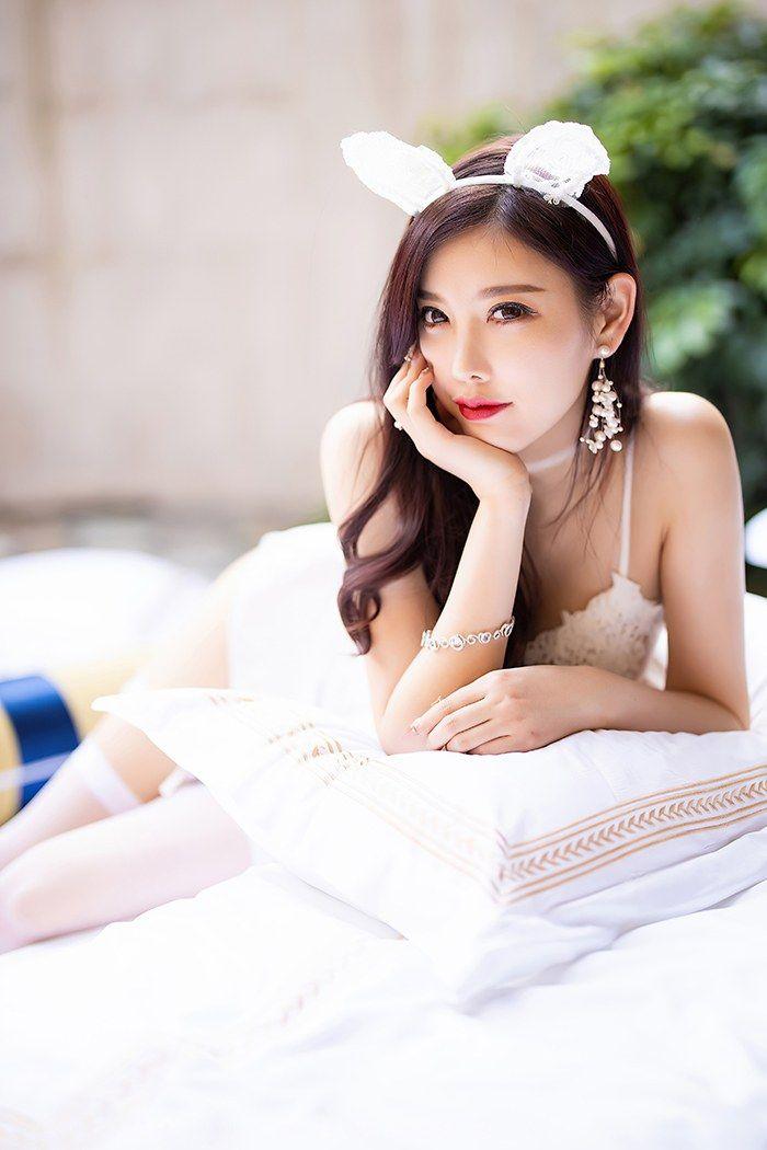 绒绒小兔杨晨晨透明蕾丝明艳欲滴