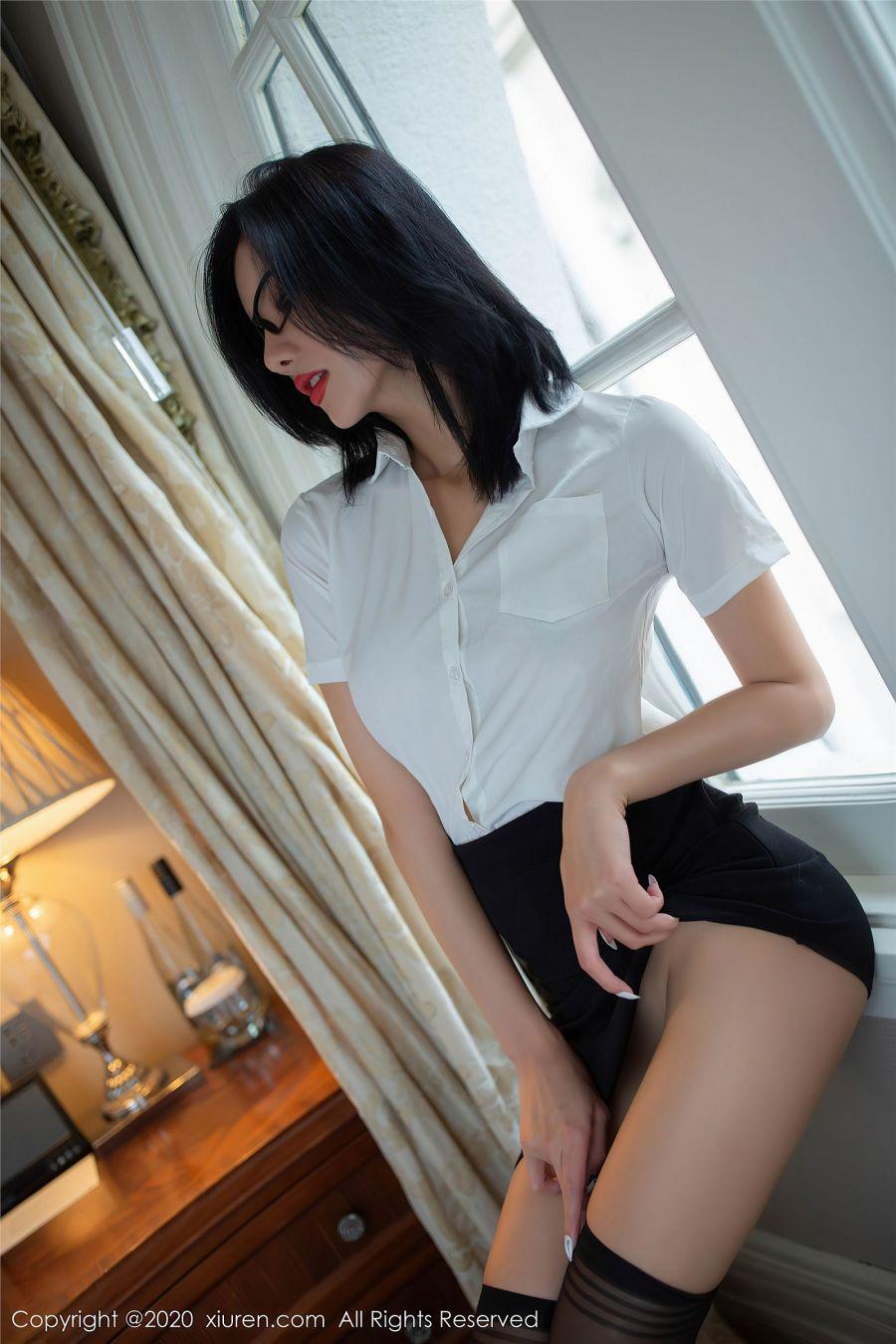 风骚秘书就是阿朱啊脱衣裸身诱惑